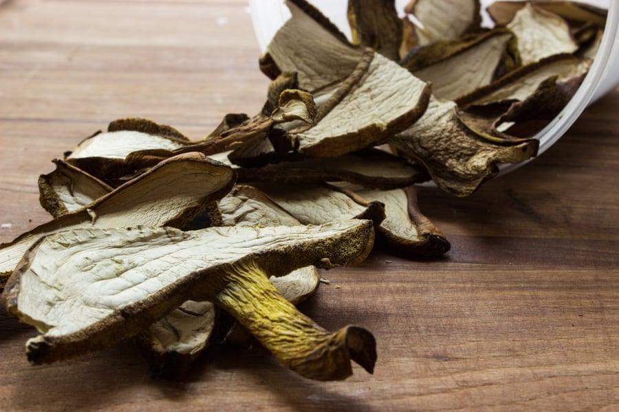 dried mushroom, dried bolete