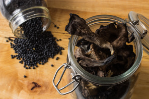 Black trumpet mushrooms and black lentils